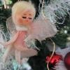 La fée ornant le sommet du sapin de Noël depuis...